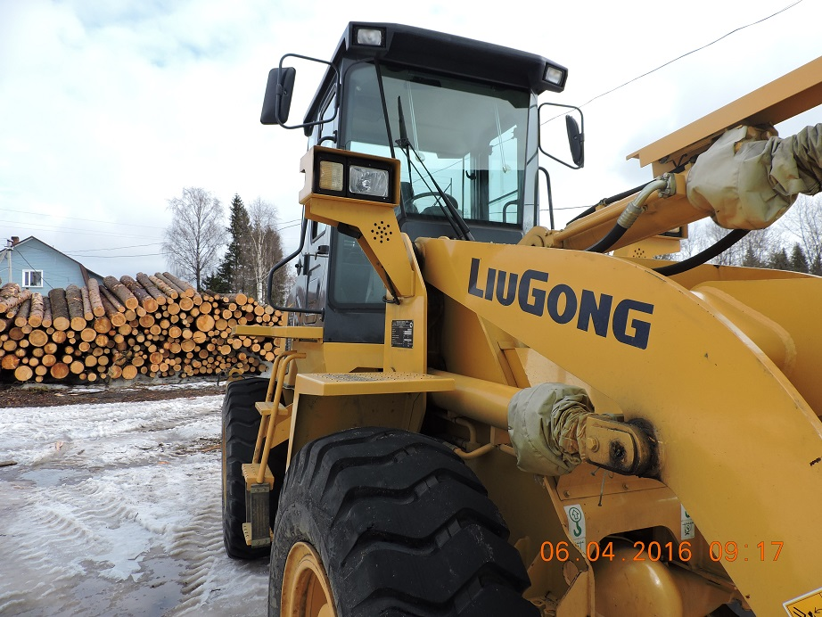 Лесной ресурс / Форум / The forum for related and other industries / Very urgent sell almost new front loader Liugong 835 2014.
